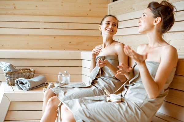 Ragazze in sauna