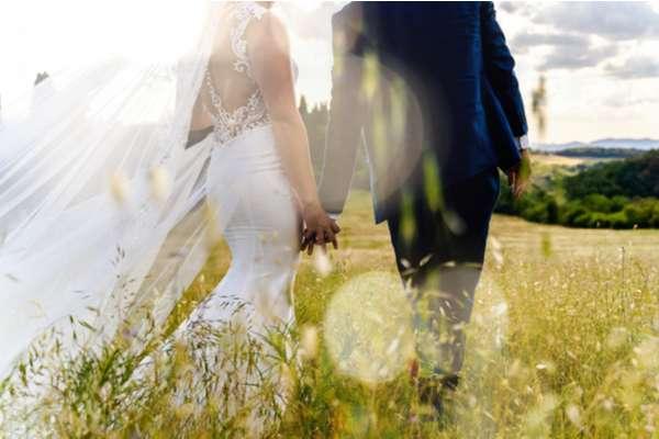 Sposi per mano