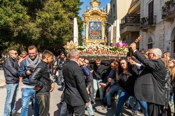 processione in Sicilia